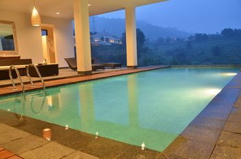 Photo for Indah Villa Dago - Near Mountain View Golf Course