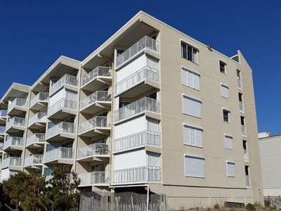 Photo for Jamaican Sun 105-Oceanfront 77th St, Free WiFi, Elev, W/D, AC