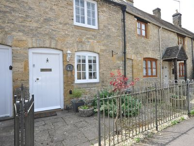 Photo for 2 bedroom Cottage in Stow-on-the-Wold - 43700