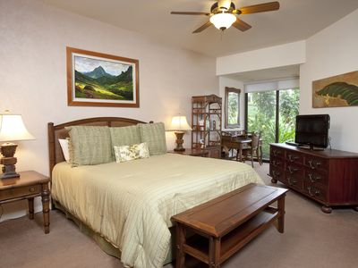 Photo for Majestic Ocean and Golf Course Views, private lanai perfect for sunset dinners