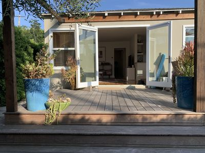 Modern Cottage - Perfect Location 4 Blocks to the Beach