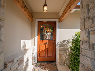 Charming Beach Cottage on Carmel Point! Fully renovated, short walk to beach!