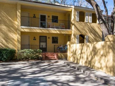 Photo for Devonshire 205: 2 BR / 2 BA villa in Hilton Head Island, Sleeps 6