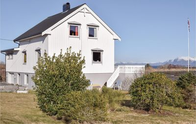 Photo for 5 bedroom accommodation in Fjørtoft
