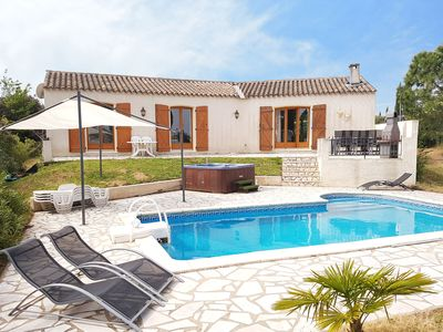 Photo for Spacious villa with swimming pool, jacuzzi, trampoline, swing, view, 500m bakery