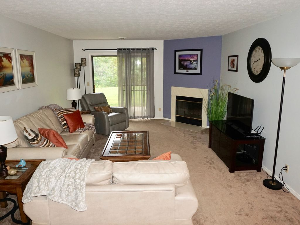 Enjoy The Comforts Of Home At Beautiful Pointe Royale