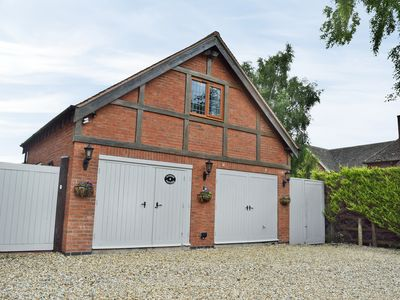 Photo for 2 bedroom accommodation in Alveston, near Stratford-upon-Avon