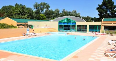 Photo for Camping Le Domaine des Pins **** - APARTMENT 4 people - 1 bedroom