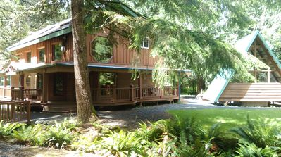 Photo for Buchanan's Bunkhouse  w /Saltwater Hot Tub!Yards from Mt.Rainier Entrance!