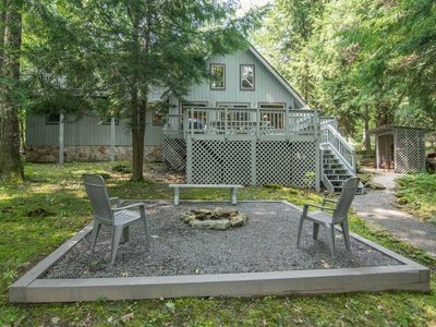 Photo for Waterfront chalet, pet friendly, private dock, and hot tub!