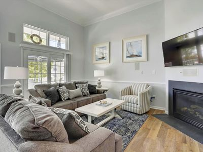 Photo for Pet-Friendly Townhome   Indoor Pool and Free Linens!