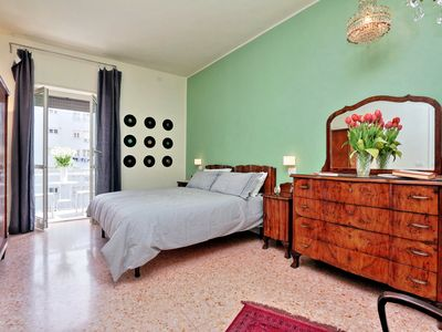 Photo for Spacious and bright in Rome center ideal for families. 2 rooms 4/5 people