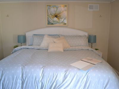 Whitehall Cottages Boutique Motel #5 - King Bed