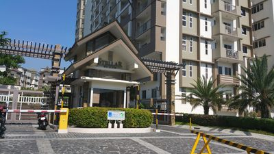 Photo for Roomy 2-Bedroom QC Condo Unit for Rent!