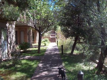 PRIME LOCATION AND ACCOMODATIONS! Hiking, Biking, Plaza Down the Hill