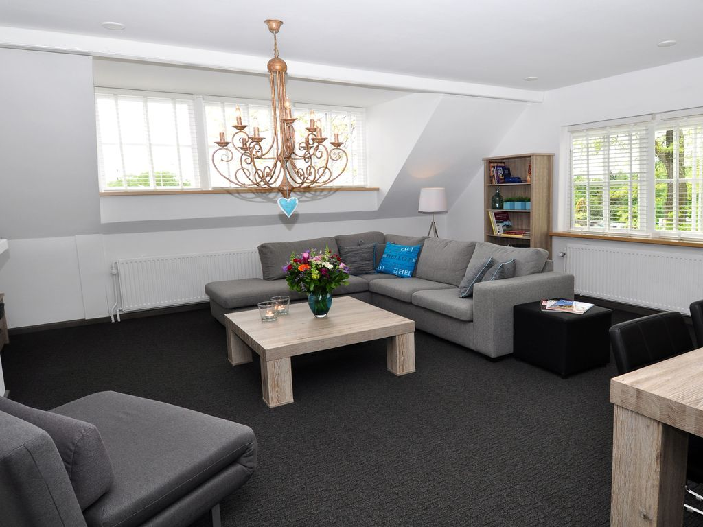 Large Two Bedroom Apartment 80 M2 Close To Amsterdam Schiphol And Haarlem Badhoevedorp