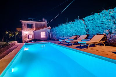 Unique antistress oasis Villa Antiqua with heated swimming pool and hot tub
