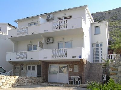 Photo for Apartment in the center of Pag with Air conditioning, Parking, Balcony (461361)