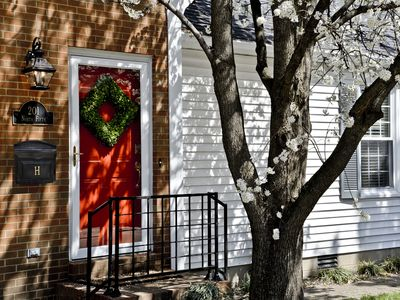 Luxurious 2BR /2Bath with Outdoor Courtyard in Downtown Bardstown