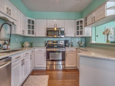 Photo for DESTIN CHARMS | Harbor View | Short walk to the beach