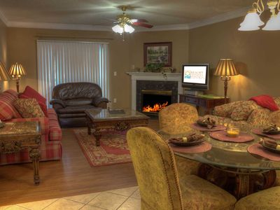 Winter $avings! 2 BR, Sleeps 4, Riverside Condo, Walk to The Island