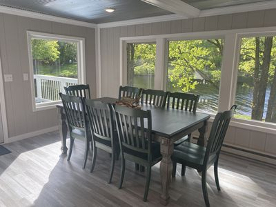 Private home on beautiful Nelson Lake, Pontoon included!