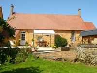 Lovely, clean property in a great location - Ideal for visiting Le Mans