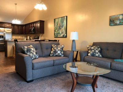 Cloud9 - 8 Guests 4 Suites Near Downtown & I-80