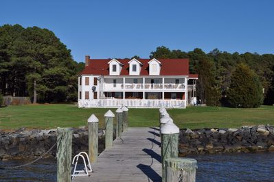 Magnificent property for crabbing, fishing, volleyball and badmitten