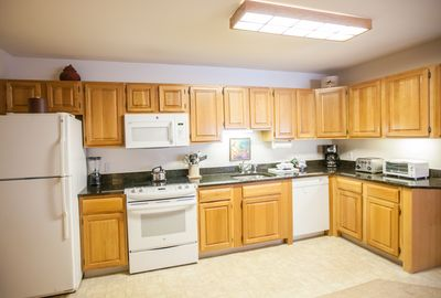 Full kitchen to prepare any meals when you choose to dine in