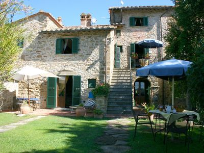Photo for Nice apartment for 4 guests with pool, WIFI, TV and parking, close to Cortona