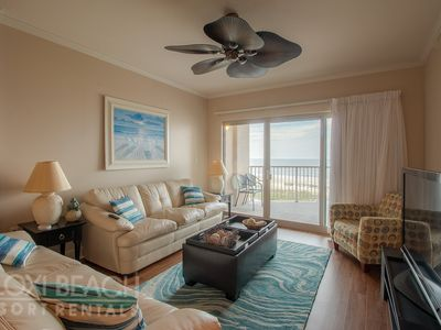 Beachfront Suite w/ WiFi, Balcony, Grill, Pool & Fitness Center Access