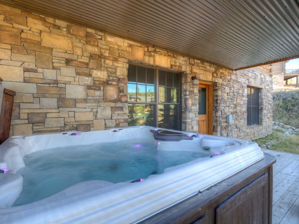 This Luxury Cabin Has it ALL. Location, Firepit, Views, Ski Access ...
