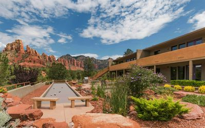 Vista Ridge Sedona building one and bocce ball court.