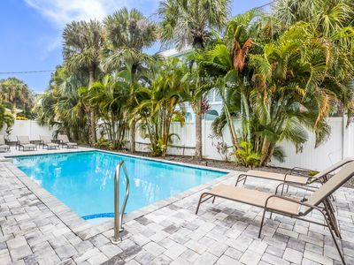 The Palms #1: Awesome Unit in a Four-Plex w/Heated Pool, Short Walk to Beach!