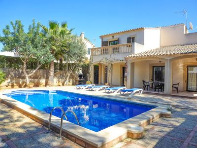 Photo for Villa Karen: Large Private Pool, WiFi