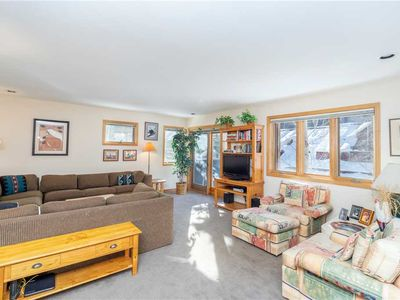 Flexible Summer Policies - Spacious and Clean Cabin-Themed Two-Bedroom Condo Close to Lifts