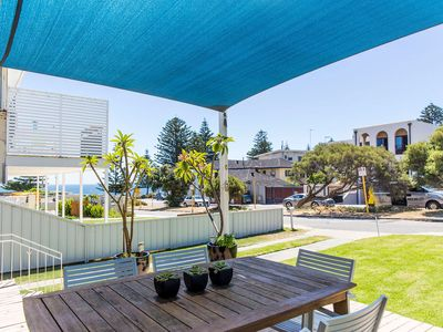 Photo for Location! Location! 1 min to Cottesloe Beach