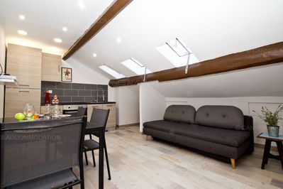 Amazing Florian 321 2149 Tiny One Bedroom Apartment In The Centre Cannes City Centre Interior Design Ideas Apansoteloinfo