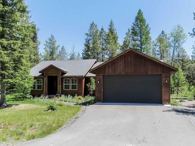 Photo for Captivating mountain view luxury chalet with outdoor fire pit, BBQ, private laundry room