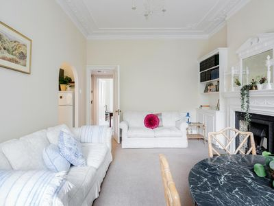 Photo for Grand One Bedroom in Kensington (W14)