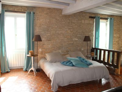 Photo for Charming cottage in the heart of Burgundy