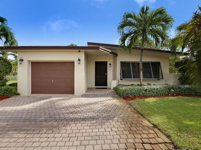 Photo for Welcoming Delray Beach home close to Atlantic Ave AND the beach!!