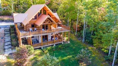 Photo for Exclusive Pigeon Forge Showcase cabin w/ FirePit, Giant Logs, Mountain Views!
