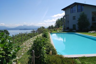 Communal pool with a beautiful view of the lake