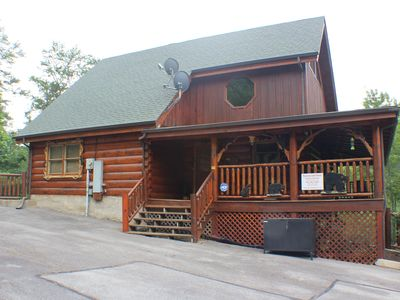 Photo for Large 2Br with Loft, Hot Tub, Arcade Game, Mini Golf, Indoor/Outdoor Pool