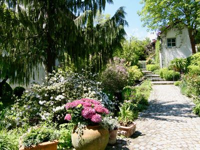 Photo for Studio apartment in a dreamy and quiet garden in the immediate vicinity of the lake