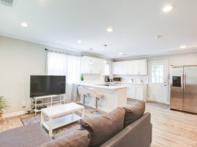 Photo for Luxury Open Concept 2 bed 2 bth NODA Villa Heights