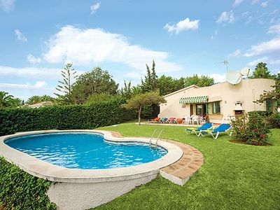 Photo for Charming villa w/ gated pool, walking distance from bars, restaurants + beach
