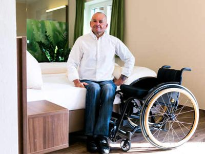 Photo for Wheelchair-accessible garden suite with terrace - Landgasthof Hotel Aichingerwirt *** superior